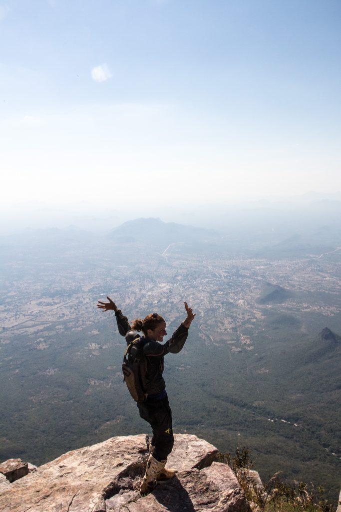 Caroline challenging her vertigo at Fenda da Tundavala, Lubango, Angola. Way to go baby!
