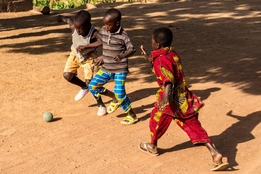 Kids playing football in Ségou