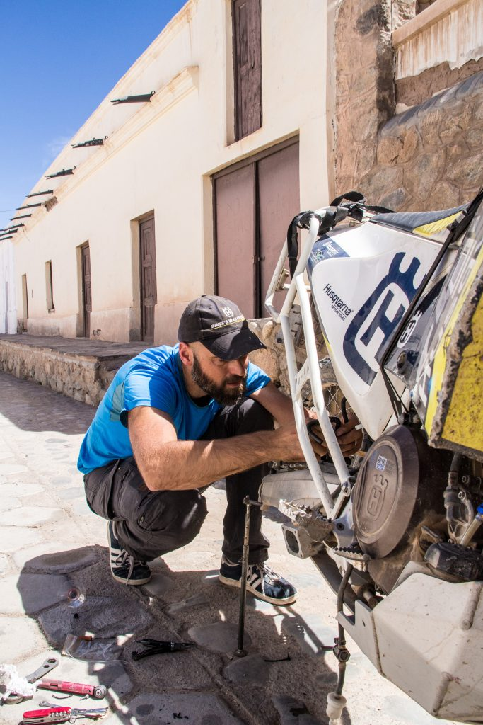 Fixing the fuel pump in Cachi,Argentina